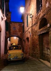 Monte San Savino (thomas.amicabile) Tags: italia italy vie vicoli vicolo colori città strada street strade paesaggio paesaggistica paesaggi tramonto sera