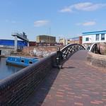 Blue narrowboat at Aston Junction of the Birmingham & Fazeley Canal thumbnail