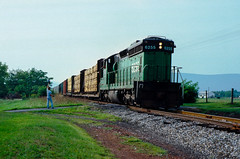 Graceham (jameshouse473) Tags: mmid6255 marylandmidland6255 emd sd24 bn6255 graceham maryland md frederickcounty thurmont catoctinmountains catoctin 1985 train railroad westernmaryland railway