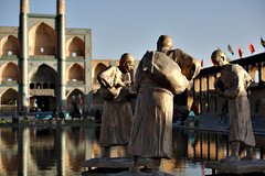 Old Travelers of Yazd (feddischson) Tags: iran water yazd statue