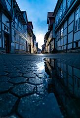 fachwerk -PFützen -Blaue Stunde (carsten.plagge) Tags: bluehour 2019 a6300 cp55 carstenplagge fachwerk fachwerkstadt februar himmel samyang sonnenuntergang sony wolfenbüttel wolken blauestunde