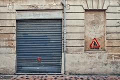 Attention, casseurs ! (Isa-belle33) Tags: urban urbain city ville wall mur door porte window fenêtre old ancien street streetphotograhy fujifilm bordeaux garage