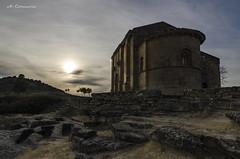 Santa María de la Piscina (Alberto Corcuera García) Tags: san vicente santamaríadelapiscina románico ermita peciña abalos larioja nikon d7000 atardecer hdr
