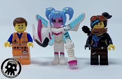 22-Emmet, Lucy and Sweet Mayhem (captainmutant) Tags: lego legospace legography photography minifig minifigs minifigure minifigures sciencefiction science fiction scifi brickography toy space review legomovie2
