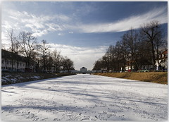 Winter (lichtauf35) Tags: schlossnymphenburg symmetric wide bluesky lightsandshadows winter frozen ice amnymphenburgerkanal munich2019 hoya snow castle favouriteplaces blau weissblau wideangle 2000views lichtauf35
