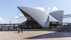 Sydney@Opera House (:: Blende 22 ::) Tags: australia australien newsouthwales sydney botanicgarden royalbotanicgardens canoneos5dmarkiv ef2470f28liiusm city ferry water skyline operahouse harbourbridge