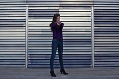 Quand c'est la modèle qui shoot le photographe ;) (matgau) Tags: canon6d montpellier modèle model moderne femme woman architecture shooting shoot collaboration miseenscène portrait