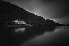 Kylemore Abbey (lfeng1014) Tags: kylemoreabbey connemara countygalway republicofireland ireland castle mountain lake landscape rainy canon5dmarkiii ef1635mmf28liiusm longexposure 95seconds blackandwhite bw landmark abbey loughpollacappul druchruachmountain travel lifeng kylemorecastle