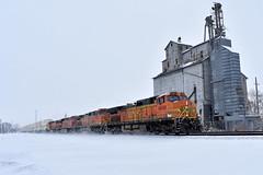 70mph snowblower (Robby Gragg) Tags: bnsf c449w 4696 mazon