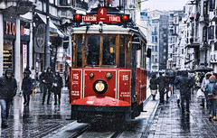 İstanbul İstiklal Caddesi / Nostaljik Tramvay (Miradortigre) Tags: tramway tranvia tramvay historic nostaljik istanbul taksim snow street people photography estambul gente calle istikal caddesi