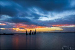 Watching the sunrise together! (karindebruin) Tags: water wolken hellevoetsluis zuidholland thenetherlands nederland voorneputten vesting haven harbour zonsopkomst sunrise port remming