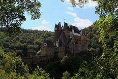 I_B_IMG_9804 (florian_grupp) Tags: europe germany rheinlandpfalz rhinelandpalatine burgeltz castle fairy tale elz eltz medieval forest mosel