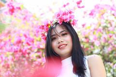 IMG_2570 (Sharmila Padilla) Tags: flowers lady canon portrait ladies balloon outside play pinkflowers pink photography street modes happy joy smile pretty sports white road makeup