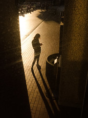Barbican, London (jaumescar) Tags: streetphotography light shadow yellow warm sunset evening barbican london longshadow visual silhouette candid canpubphoto street photo