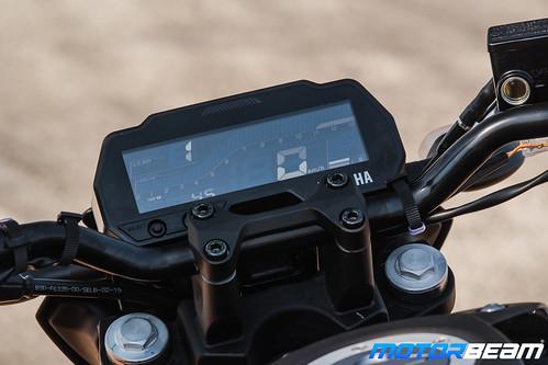 Yamaha-MT-15-14