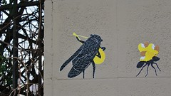 HeartCraft_1593 passage Piat Paris 20 (meuh1246) Tags: streetart paris animaux heartcraft passagepiat paris20 belleville criquet fourmi