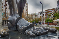 013793 - Madrid (M.Peinado) Tags: hdr pie pies detalle escultura dolmen dalí salvadordalí plazadesalvadordalí madrid comunidaddemadrid españa 2019 abrilde2019 05042019 canon ccby canonpowershotsx60hs