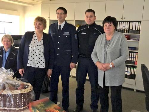 Weihnachtsvisite von Präsidentin Diezel und Vizepräsidentin Jung bei Polizei und Feuerwehr