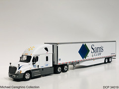 Diecast replica of Wal-Mart Freightliner Cascadia Evolutions with Sam's Club trailer, DCP 34019 (Michael Cereghino (Avsfan118)) Tags: walmart diecast promotions dcp34019 dcp 34019 freightliner sams club 164 scale model replica truck toy promotion