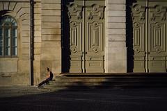 Caught. (t-a-i) Tags: 50mmf15 a7rii a7rmkii a7r2 candid candidphotography porto portugal sony sonya7rii sonya7r2 sonyilce7rm2 sonyα7rii streetphotography streets voigtlander voigtlander50mmf15 voigtlandernokton50mmf15 voigtländer voigtländer50mmf15 α7rii pt