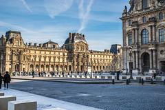 Le Louvre ( Philippe L PhotoGraphy ) Tags: àlextérieur beaubourg leshalles idf mariedeparis paris monuments architecture contrasteélevé france ville noir bâtiment