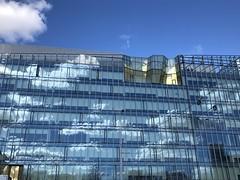 Tükröződés (Ády) Tags: kék blue felhők clouds architecturephotography europe urbanphotography windows architecture reflection tükröződés magyarország hungary budapest