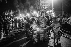 Ogoh Ogoh (kuuan) Tags: omzuikoautowf2824mm om olympus 24mm f28 mf manualfocus ilce7 bali indonesia sonya7 ubud peliatan hindu tradition bw girl ambengan banjarambengan