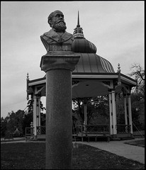 Charles-francois Gounod (greenschist) Tags: zenzanonrf65mmf4 charlesfrancoisgounod usa gounod film 6x45 berggerpancro400 mediumformat towergrovepark park blackwhite bronicarf645 missouri stlouis analog statue