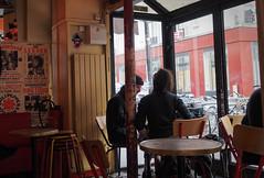 Au Claire de Lune un matin d'hiver .. Instant de cinéma parisien #9 (Paolo Pizzimenti) Tags: cinéma film instant parisien café escalier montmartre hiver paolo paris pellicule argentique omdem1mkii zuiko 17mm f18 doisneau