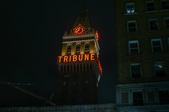 11:40pm at the tribune (pbo31) Tags: bayarea california eastbay alamedacounty nikon d810 color night dark black march 2019 boury pbo31 urban oakland downtown city broadway street tribune neon clock construction architecture orange