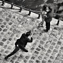 L'amour (Landec) Tags: bw contrast people girl man love embrace photographer paris seine street