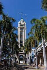 Aloha Tower (Karen_Chappell) Tags: travel honolulu hawaii oahu usa architecture city urban building palmtrees trees green blue sky tower canonef24105mmf4lisusm
