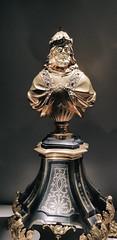 Bayerisches Nationalmuseum (CA_Rotwang) Tags: prinzregentenstrase kunst kultur munich münchen bavaria bayern geschichte art history mittelalter barock baroque mediveal middle ages riemenschneider ritter knight rüstung armour museum