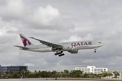 Qatar Airways Cargo Boeing 777-FDZ (A7-BFJ) © (CAUT) Tags: aviation aviacion aircraftspotting planespotting spotting spotter avion aircraft airplane plane flugzeug aeropuerto airport caut 2019 nikon d610 usa kolumbien