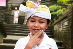 Petit garçon à Bali. (jmboyer) Tags: ba7095 ©jmboyer bali indonesie indonésie asie asia travel canon géo portrait