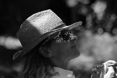 et file le temps... (NUMERIK33) Tags: laurence anniversaire temps chapeau explore numerik33 lunette noir blanc sister woman femme lumière light été summer shadow ombre