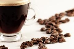 Couleur Café (sdupimages) Tags: food macro macromondays café coffee bean grain bokeh blur flou white blanc composition brew nourriture