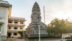 Stupa at Battambang (Lцdо\/іс) Tags: stupa battambang cambodge cambodia kambodscha kampuscha khmer asia asian lцdоіс asie