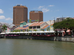 SingaporeRiverColonialDistrict005 (tjabeljan) Tags: singapore asia colonialdistrict singaporeriver colemanbridge oldparliament fullertonhotel themelrion raffles victoriatheatre clarkquay marinabay