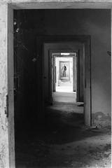 Prospettiva (Nicola Rigo) Tags: venezia poveglia abbandono fotografia analogica bianco e nero black white rullino grana yashica ilford prospettiva