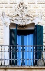 Barcelona - Ripollès 037 c (Arnim Schulz) Tags: modernisme barcelona artnouveau stilefloreale jugendstil cataluña catalunya catalonia katalonien arquitectura architecture architektur spanien spain espagne españa espanya belleepoque window fenster ventana finestra fenêtre art arte kunst baukunst modernismo gaudí liberty ornament ornamento