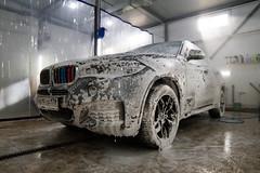 IMG_1260 (Blongman) Tags: auto car vl japan bmw toyota x6m carwash wash water russia 7d