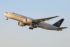 Boeing 777 HZ-AK71 Saudi Arabian Airlines (Jarco Hage) Tags: schiphol amsterdam airport ams netherlands eham nederland byjarcohage aviation luchthaven airplane vliegveld vliegtuig vliegtuigen boeing 777 hzak71 saudi arabian airlines