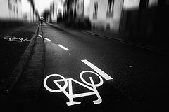 331 (dijopic) Tags: bw creativ daylight outdoor road biker urban view dijopic