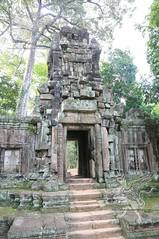 Angkor_Phimeanakas_2014_13