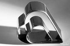 h̶̶a̶̶r̶̶t̶  Hardlight (Digifred.nl) Tags: macromondays hardlight digifred 2019 nederland netherlands pentaxk5 hmm macro macrophotography cutter closeup hart hard licht uitsteekvorm cookiescutter light