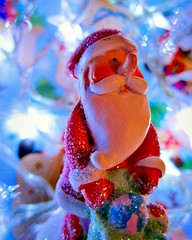 """Ho - Ho - Ho"" HMM (seanwalsh4) Tags: macromondays holidaybokeh notinfocus sparkling blurred seanwalsh merrychristmas lovepeace festive fatherchristmas presents funny small xmas sack joy holly holy under2inchesfigure 2inchesx2inches"