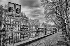 Frexit (Photographette76) Tags: nb noiretblanc blackandwhite bw ville town canal paris street streetphotography photoderue photographiederue rue eau water