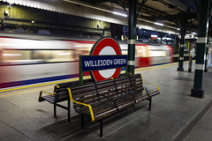 Willesden Green Station (London Less Travelled) Tags: uk unitedkingdom britain england london brent willesden green willesdengreen station rail railway tube underground tfl publictransport platform bench speed train