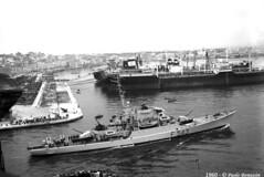 warships-corvetta-f543-albatros-taranto-1960-mag_10888502436_o (t.libra) Tags: warships corvette taranto f543albatros marinamilitare 1960